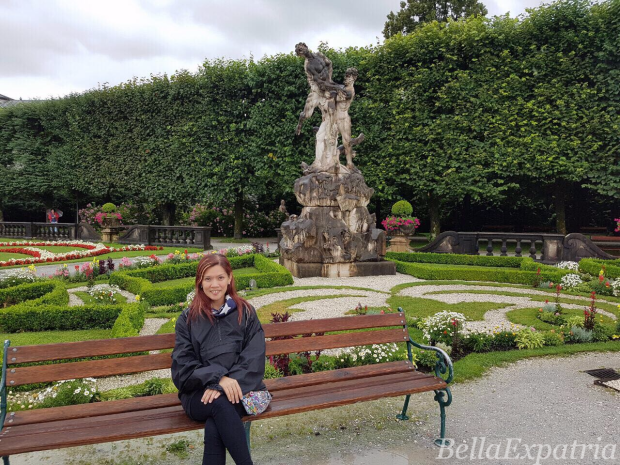 Bella in Salzburg, Austria_wm.png