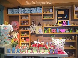 colettelola-merchandise_wm