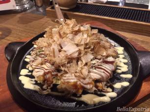 Seafood okonomiyaki